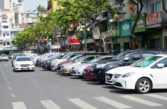 TP HCM đề xuất mức phí giữ ô tô quá thấp?