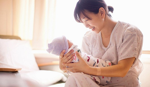Kết quả hình ảnh cho Trên đây là giải đáp về chế độ thai sản khi sinh con ở nước ngoài.
