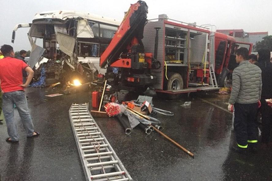 Xe khách đâm xe cứu hỏa: Tài xế xe khách không thể bị coi là có lỗi mà là nạn nhân